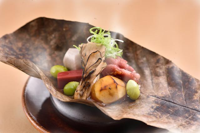 【1月限定】京都牛・冬野菜の朴葉味噌焼と新春華やかな八寸を堪能プラン